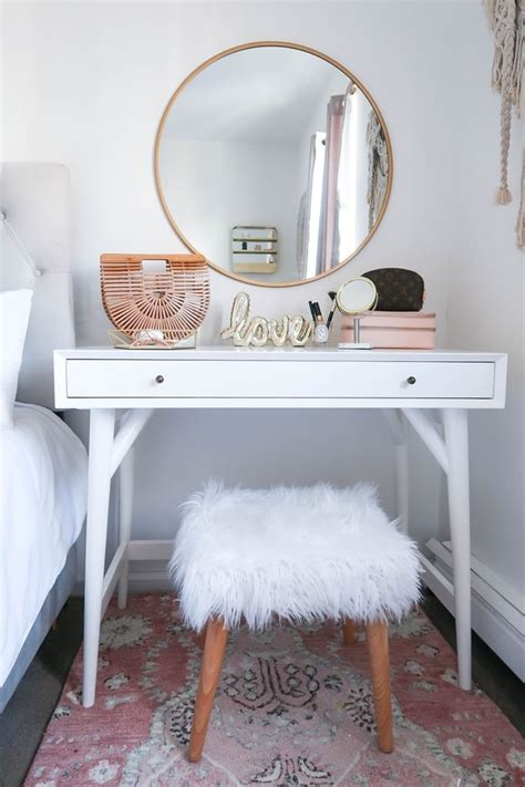 Small Bedroom Vanity by Styling A Vanity In A Small Space Money Can Buy Lipstick