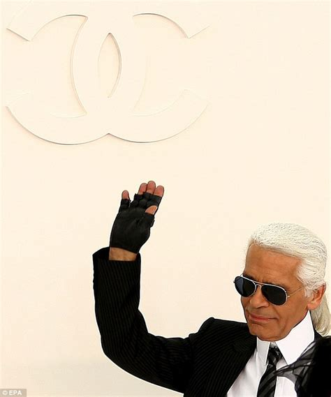 chanel siege chanel designer karl lagerfeld says 39 is a