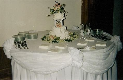 wedding reception cake table decorating and design ideas