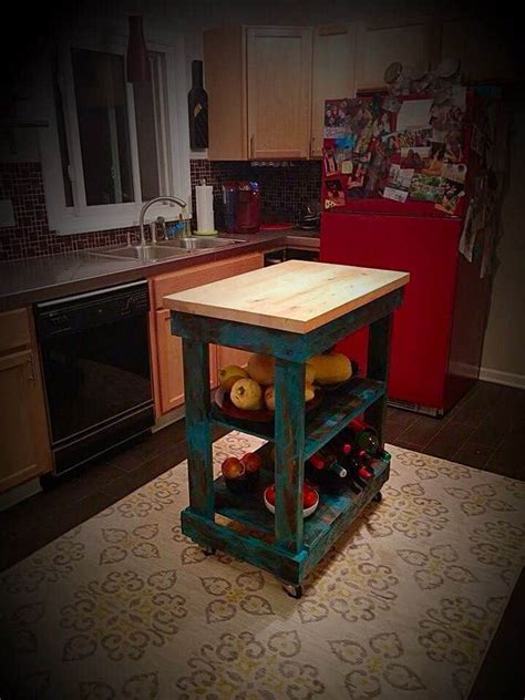 kitchen island made from pallets pallet kitchen island 1001 pallets 8198