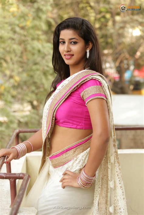 Hot Actress Pavani Navel Hip Show In Saree Spicy Pic