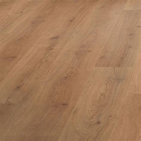 laminate flooring oak effect oak effect laminate flooring 2 92m 178 pack laminate flooring diy and flooring