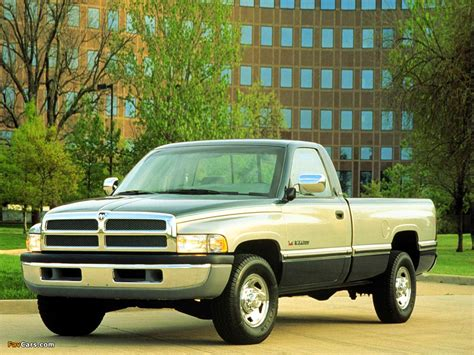Dodge Ram 1500 Regular Cab 1994–2001 wallpapers (1024x768)