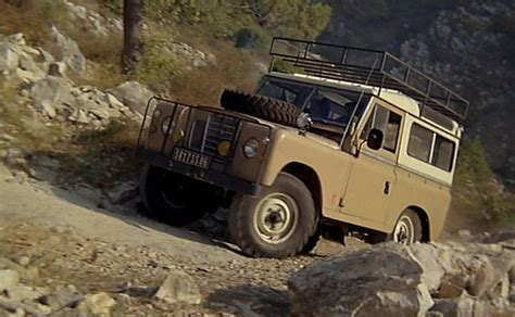 land rover series 3 off road imcdb org land rover 88 39 39 series iii station wagon in