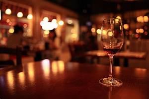 Hosting a Wine Tasting Party – Vine Vera Reviews Vine