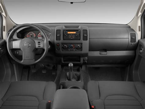 image  nissan frontier wd king cab  man se