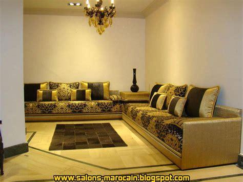 salon canapa noir daco bois deco salon marocain moderne