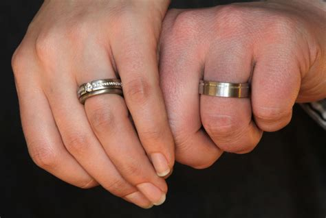 rings finger symbolism real men real style anextweb