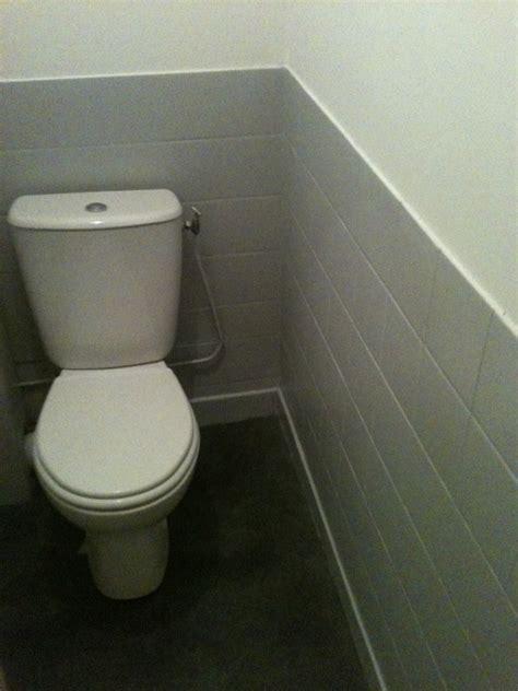 trad mise en peinture toilette