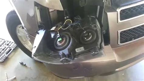 2007 2014 gm chevrolet tahoe headlight removed to change