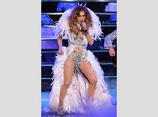 Jennifer Lopez supports toyboy Casper Smart at The Perfect