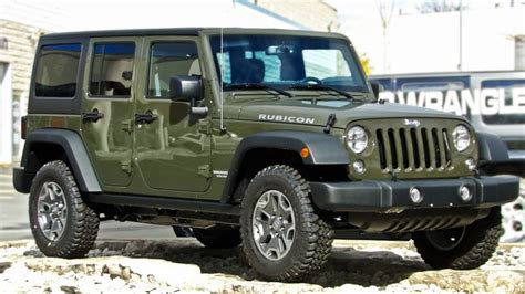 The 5 Best Vehicles For Off-road Driving