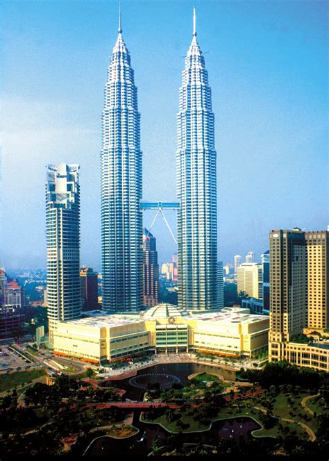 masterpieces  world architecture petronas twin towers