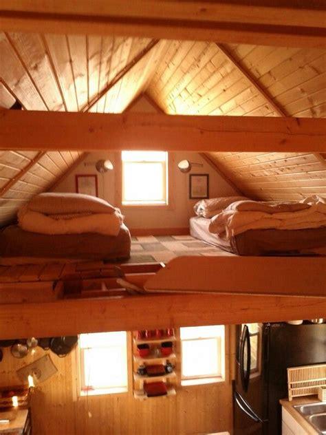 pin  richie munro  flores en el atico sleeping loft small lake houses house
