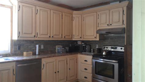 armoire de cuisine bois album photo armoire de cuisine le géant antique