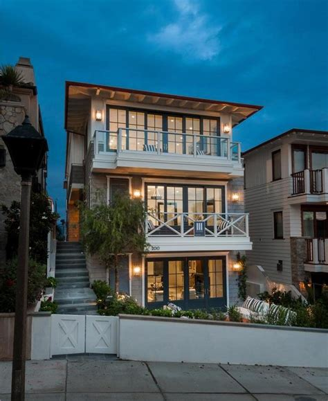 California Beach House with Cape Cod Style Architecture