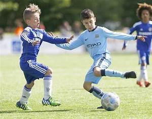 Shaqueel van Persie and Robin van Persie | Footballers ...