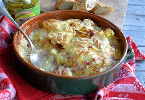 cuisine tartiflette ski chalet supper tartiflette savoyarde with reblochon cheese