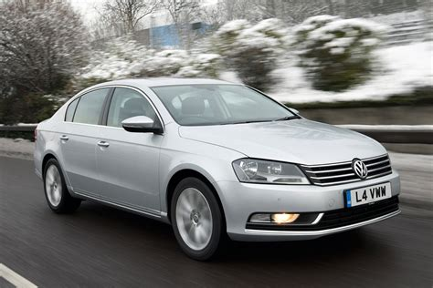 Volkswagen Passat saloon (2011-2014) pictures | Carbuyer