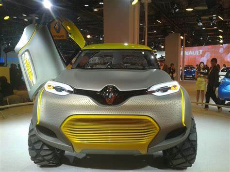 Firsttime Of Its Kind Launched For Indians New Delhi Outdoor Demonstrates 2014 Renault Launched 'Kwid' In Its