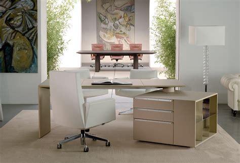 Poltrona Frau Office : C.e.o. Cube Desk Di Poltrona Frau