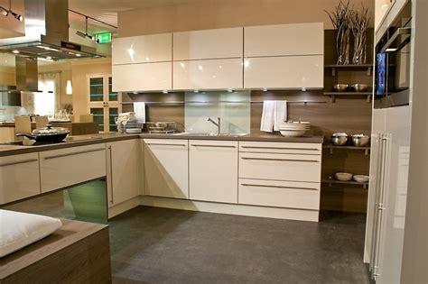 cuisine beige et bois cuisine les meubles meuble et décoration marseille