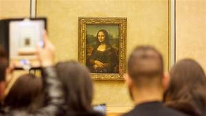 Mona Lisa in the Louvre Museum, Paris - YouTube