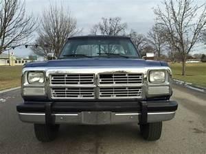 Dodge Ram 2500 Standard Cab Pickup 1991 Silver  Blue For