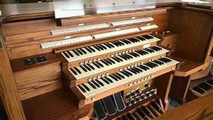 Allen 805 Three Manual Digital Organ