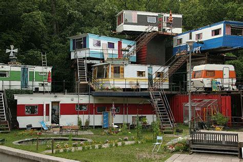Social Climbers: 7 Vertical Trailer Parks for Mobile