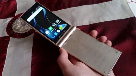 freetel musashi japanese flip phone  gold