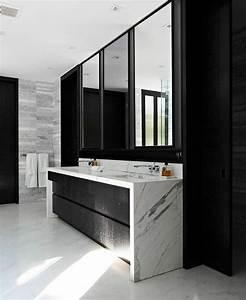 Meuble Salle De Bain Marbre : salle de bain noire et blanche en 24 id es de d co ~ Teatrodelosmanantiales.com Idées de Décoration