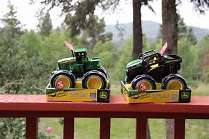 "John Deere 8"" Monster Treads Lightning Wheels Tractor ..."