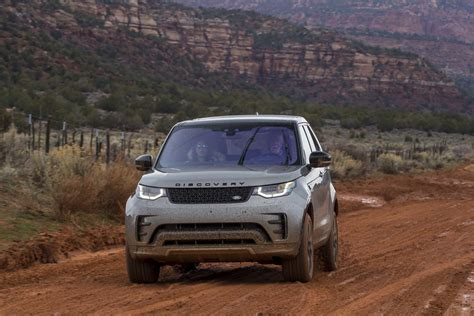 land rover off road 2017 land rover discovery off road 50 motor trend