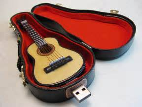 Guitar USB Drive 256 GB with Fancy Guitar Carrying Case