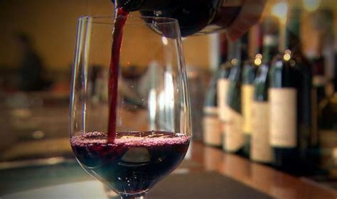 whats   poured   wine glass video