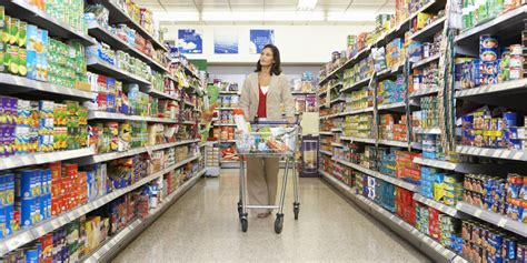 woman  apologized     supermarket