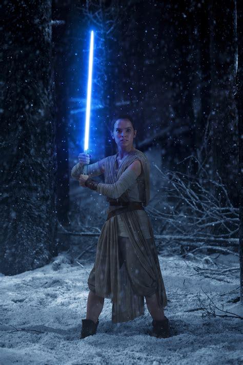 Daisy Rey Ridley Awakens Star Wars Force
