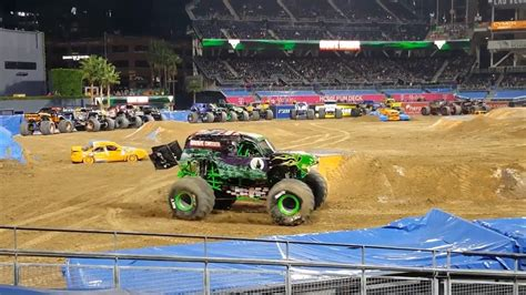 monster truck show in san diego grave digger san diego monster jam 2017 youtube