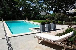 amenager autour piscine beton piscine pinterest With amenagement de jardin avec piscine 7 10 idees pour amenager lexterieur de la maison avec