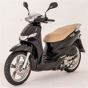 Honda 125 Scooter : 17 best ideas about 125cc scooter on pinterest 125cc moped honda 125cc bike and chopper ~ Medecine-chirurgie-esthetiques.com Avis de Voitures