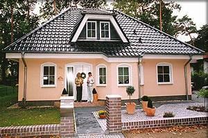Bungalow Mit Garage Bauen : massivhaus o fertighaus preiswert bauen ~ Lizthompson.info Haus und Dekorationen