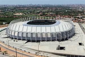 Fußball Weltmeisterschaft 2014 Stadien : castel o stadion in fortaleza brasilien franks travelbox ~ Markanthonyermac.com Haus und Dekorationen