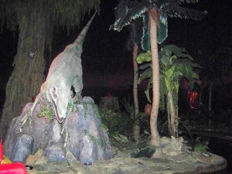 Jurassic World Jungle Boat Ride by Dinosaur Picture Of Jurassic Jungle Boat Ride Pigeon