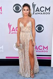 It's the Academy of Country Music Awards Red Carpet ...