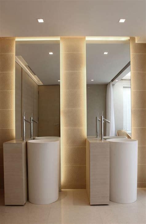 eclairage salle de bains led les 25 meilleures id 233 es concernant 201 clairage de salle de bains sur toilettes