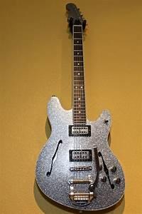 Kitschcaster  An Experimental Fender  Gretsch Hybrid