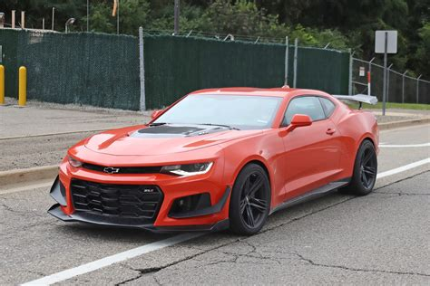 2019 Camaro Zl1 1le Shows Updated Rear Fascia, Taillights