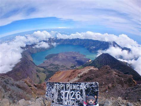 wisata gunung rinjani lombok lanskap eksotis  ketinggian