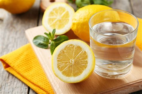 Ūdens ar citronu mūsu veselībai. 5 iemesli, kādēļ ...